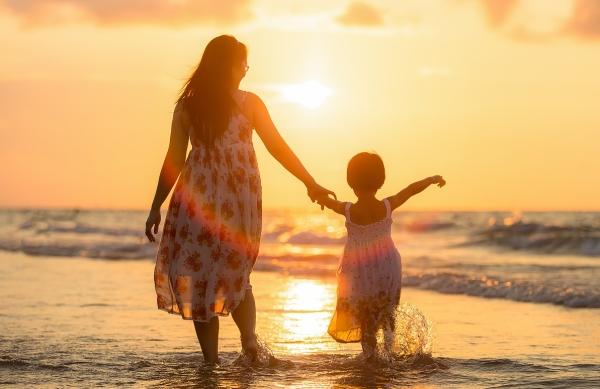 el dificil equilibrio entre madre y mujer